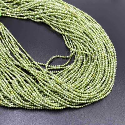 Циркон огранка зеленый